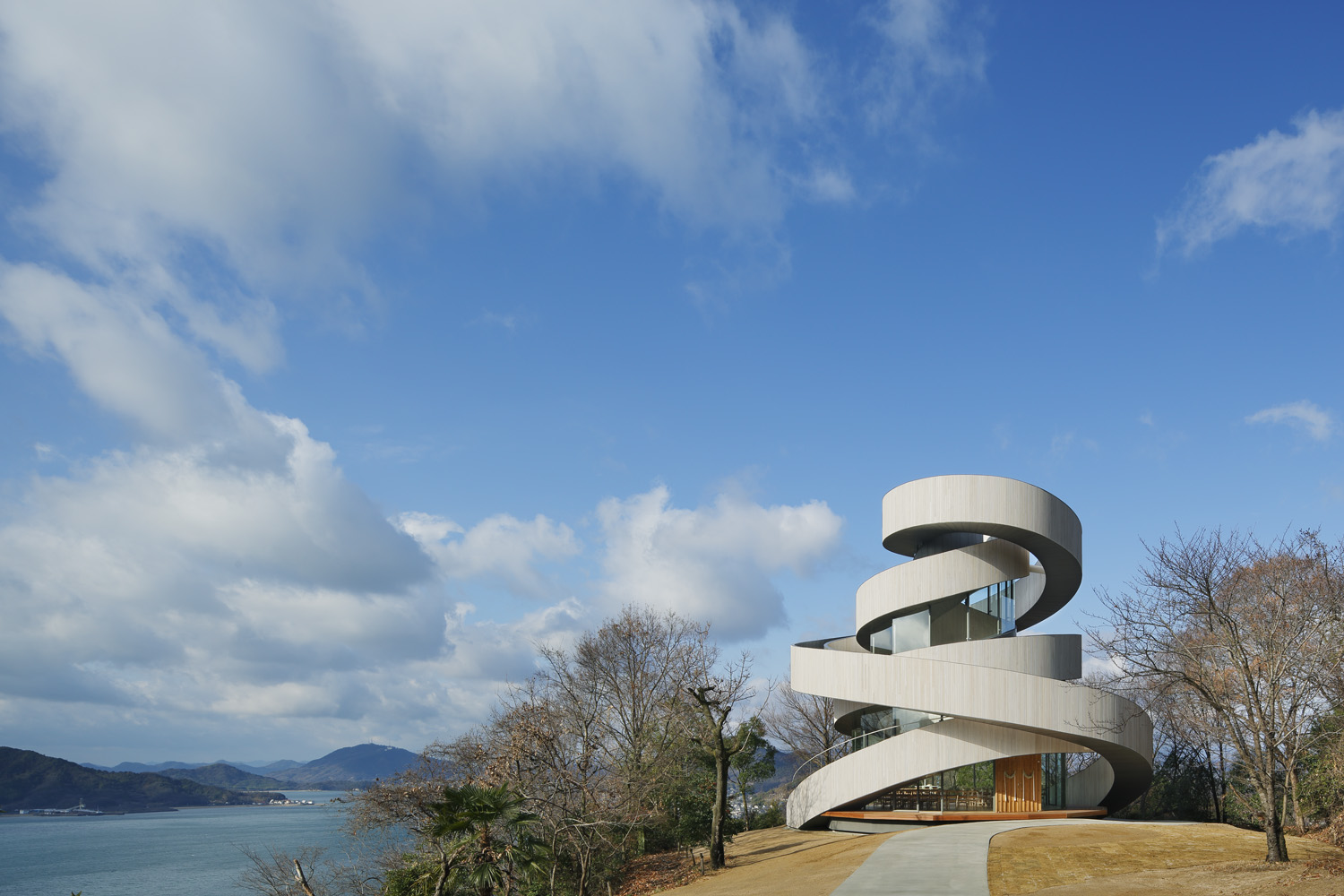 Bella Vista Sakaigahama Ribbon Chapel Awarded JCD Design Award 2014 Grand Prix World's First Double-spiral Construction