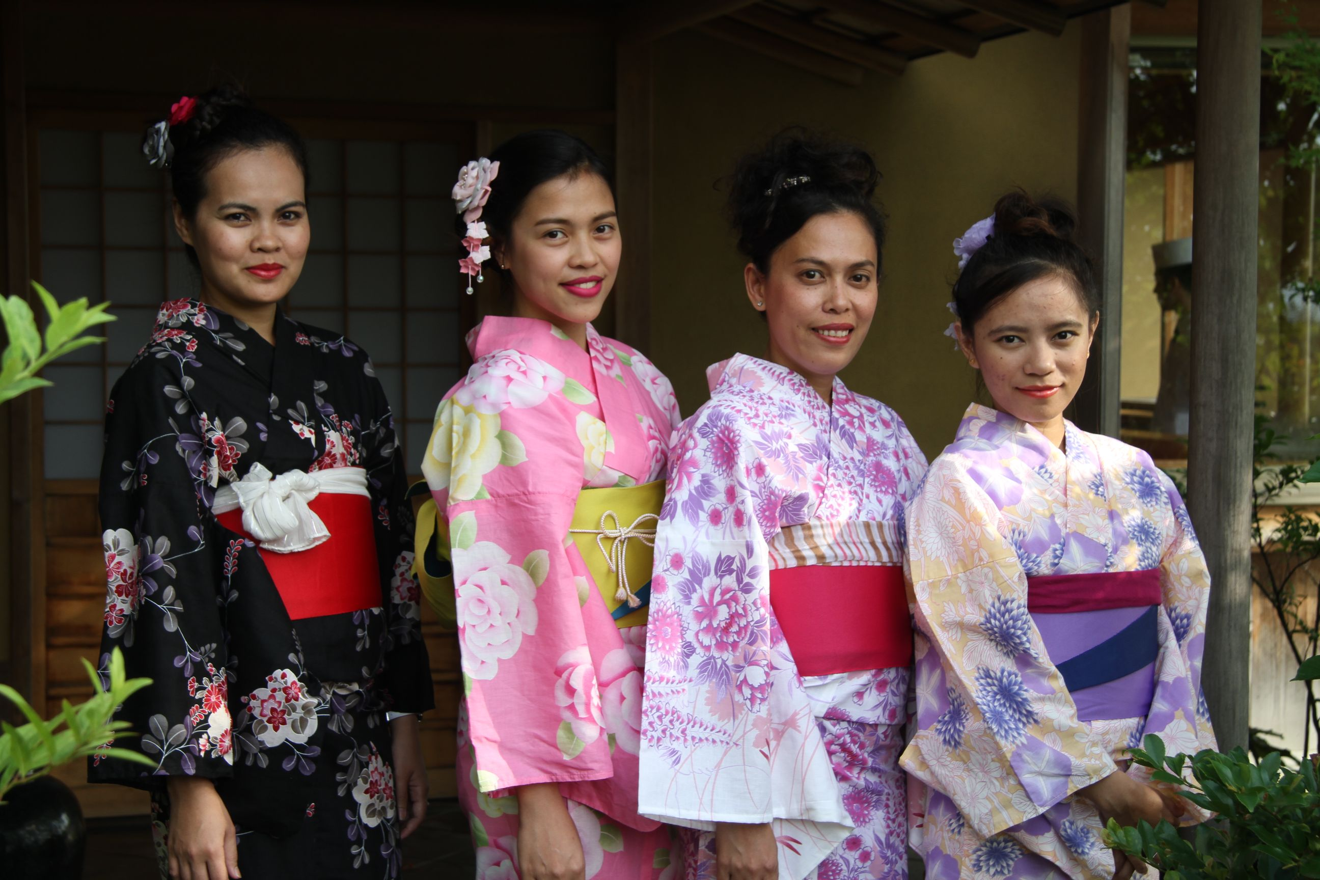 So Charming! Summer Kimono Event: Trainees from a Tsuneishi Shipbuilding overseas group company experience Japanese culture