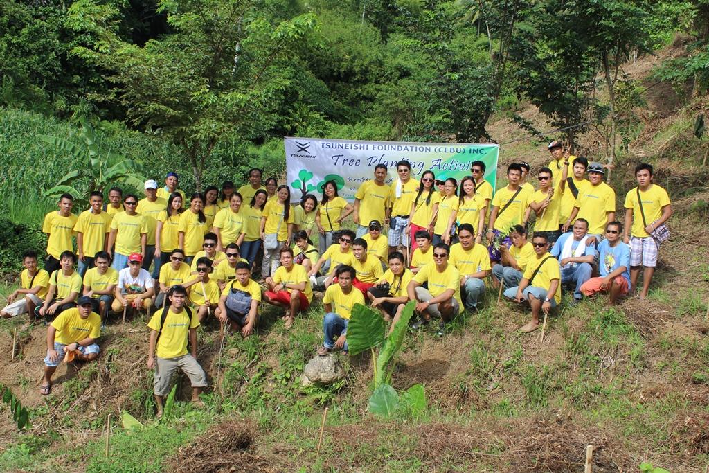 世界環境デー記念活動 ツネイシセブ財団が植樹活動を実施