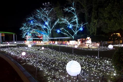 イルミを楽しんだ後は温泉であったまろう!!「星空の下の遊園地」昭和の湯すぐ隣り