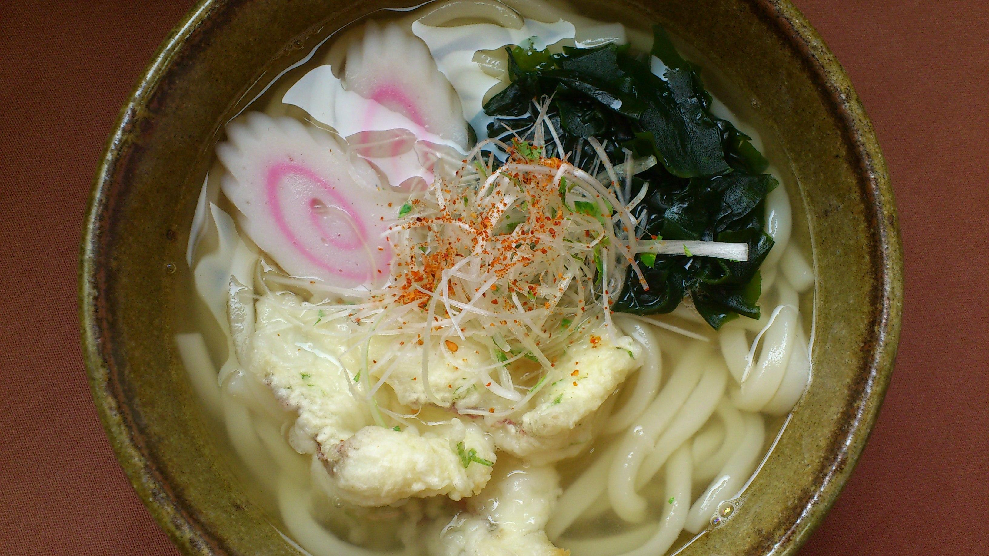 お腹もぽかぽか。昭和の湯オリジナルメニュー「鯛うどん」670円(税込)