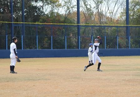 第1回目の様子:ポジション別守備練習~外野手