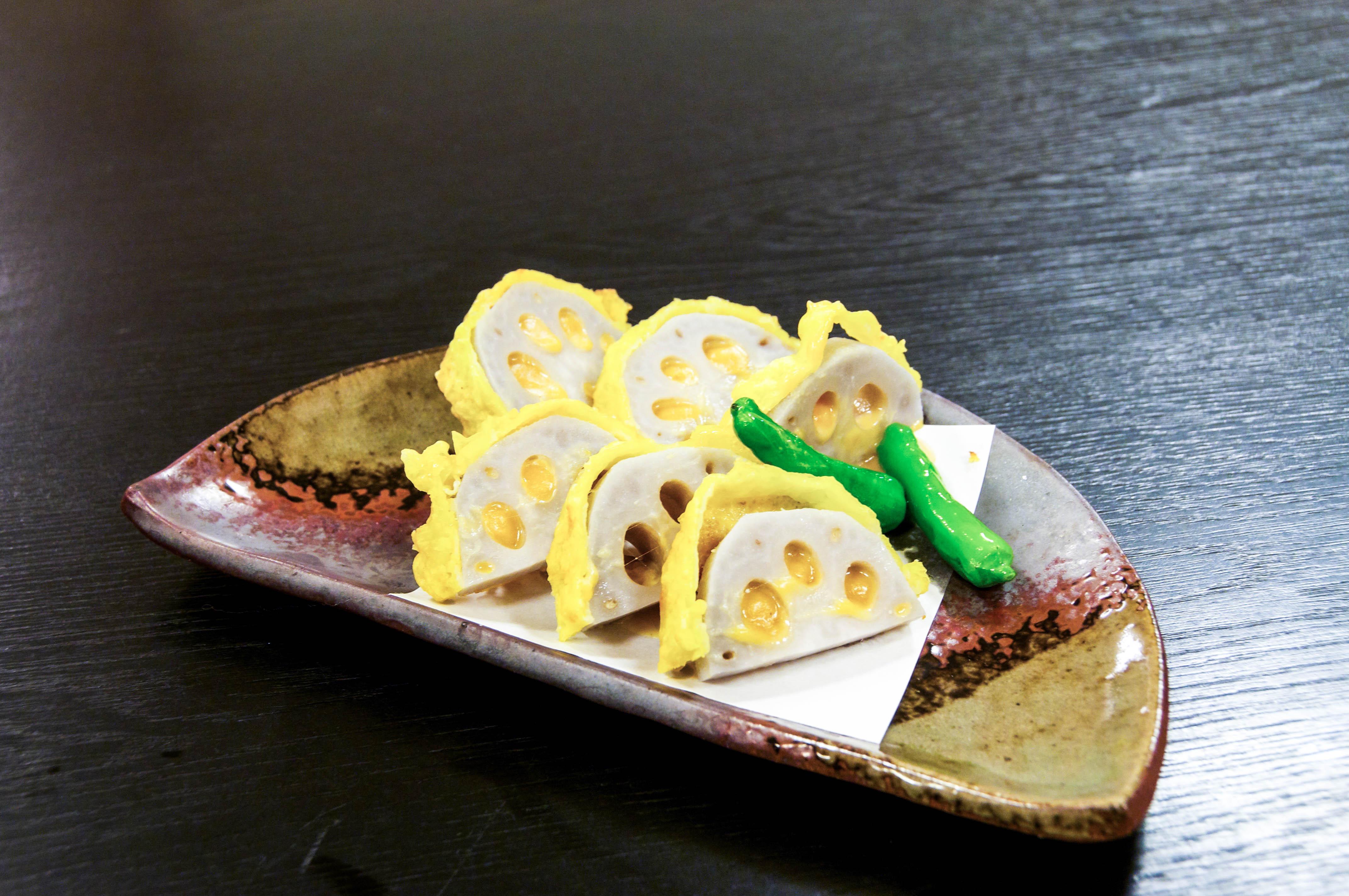 アツアツを食べよう!熊本土産の定番「辛子蓮根」450円