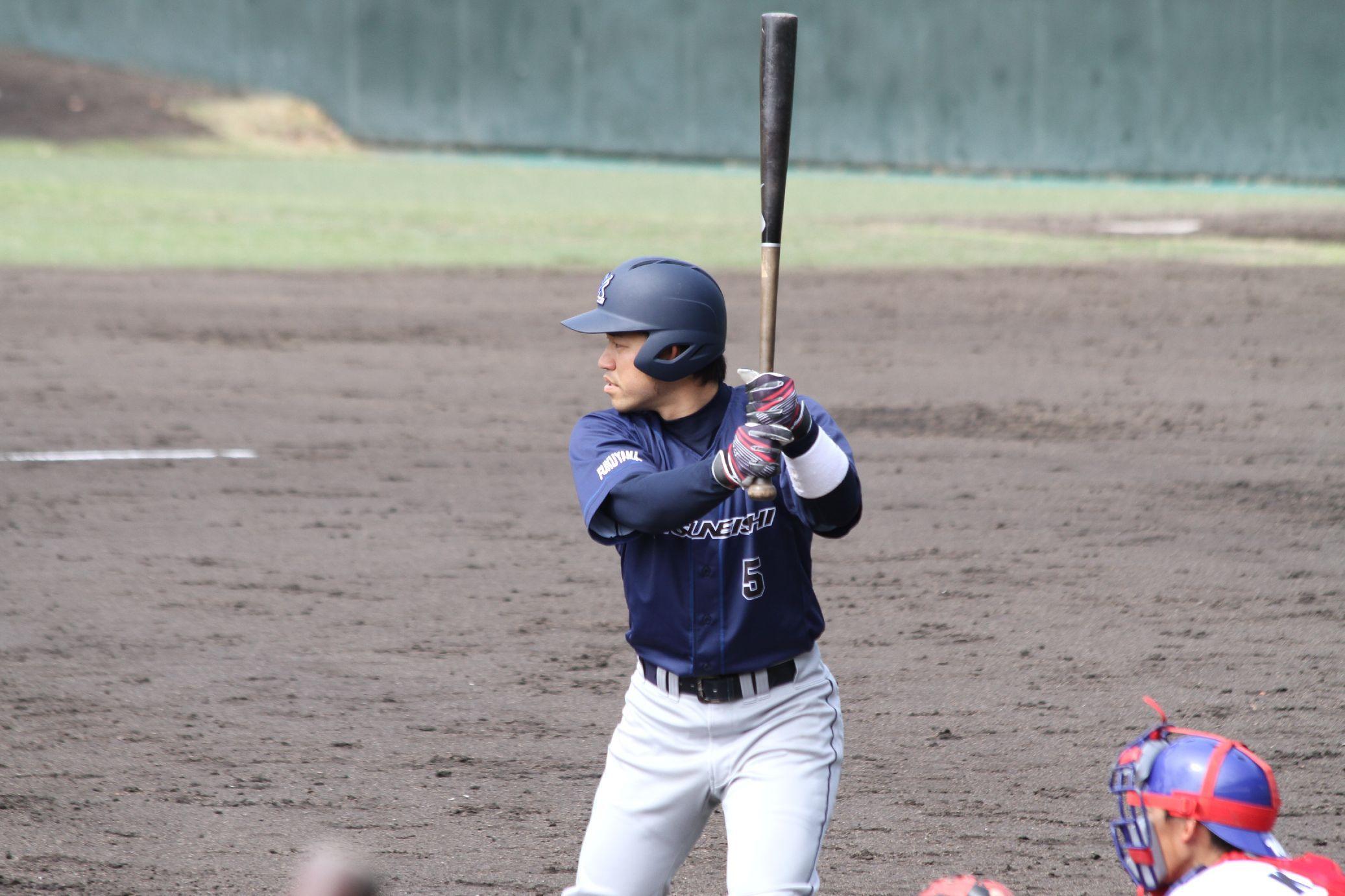 JR北海道戦で、3 塁打を打った奥田雄也選手