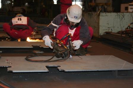 常石工場:ウィーゼルガス切断競技
