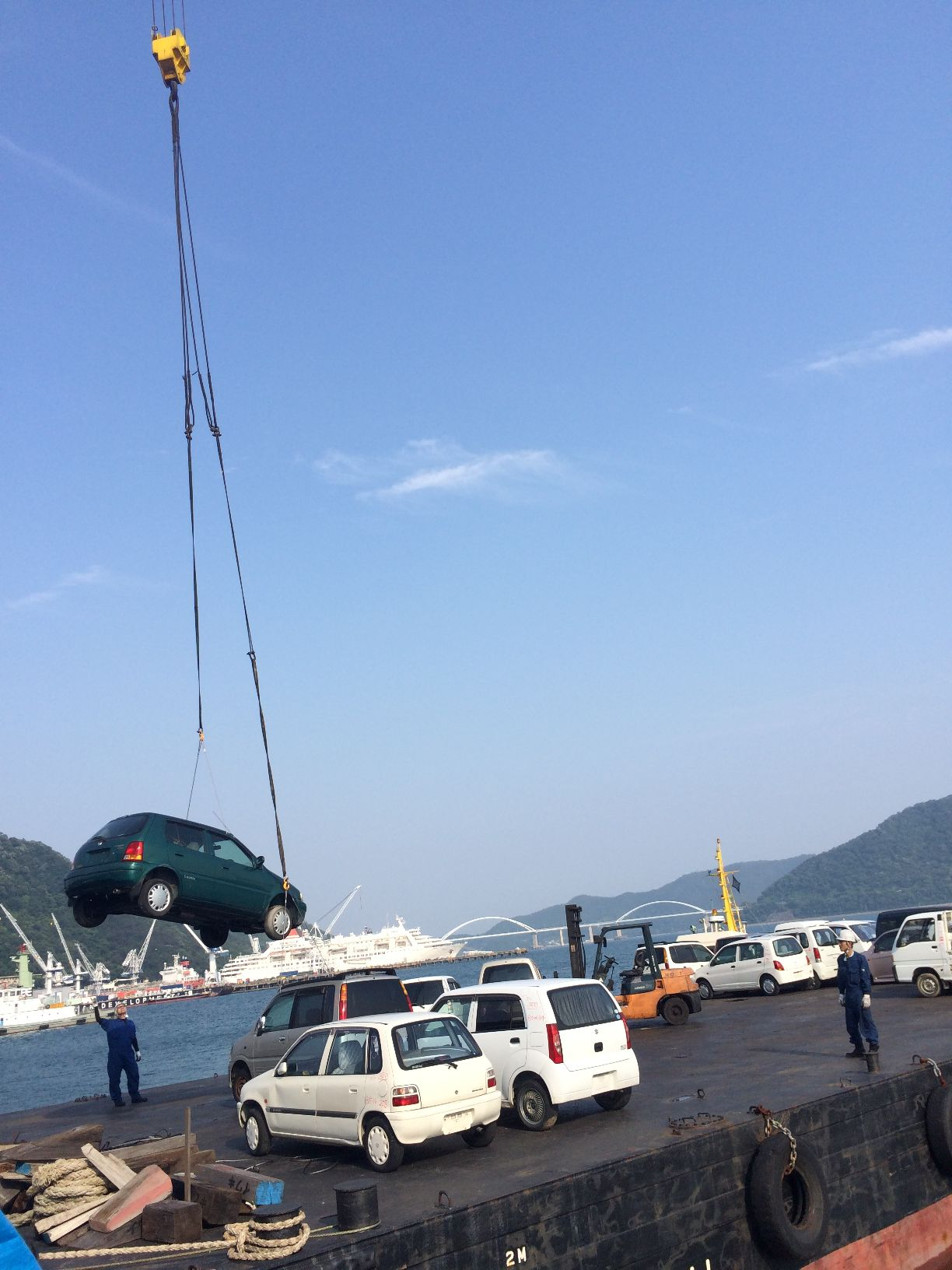 ツネイシCバリューズ株式会社、今年で12回目の離島支援活動~使用済み自動車回収し、瀬戸内海の環境を守る~