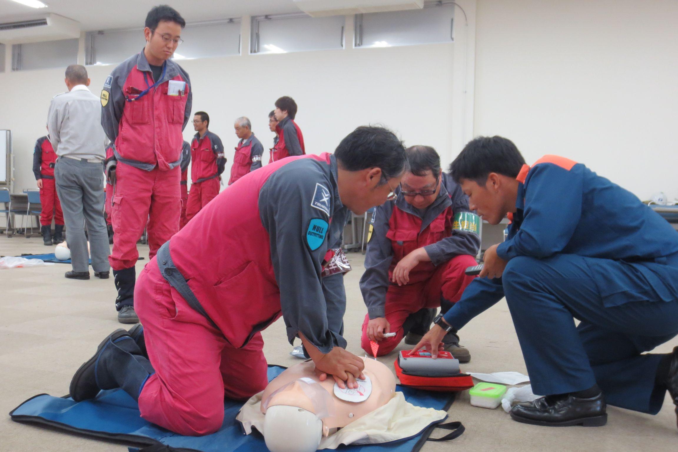 常石造船で福山西消防署の救急隊員の指導による、普通救命講習会を実施