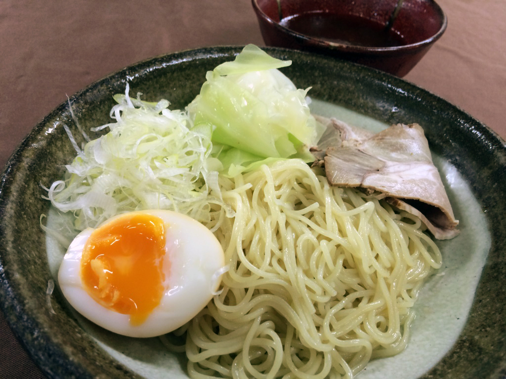 ピリ辛つけダレで食欲UP!「ピリ辛広島つけ麺」750円