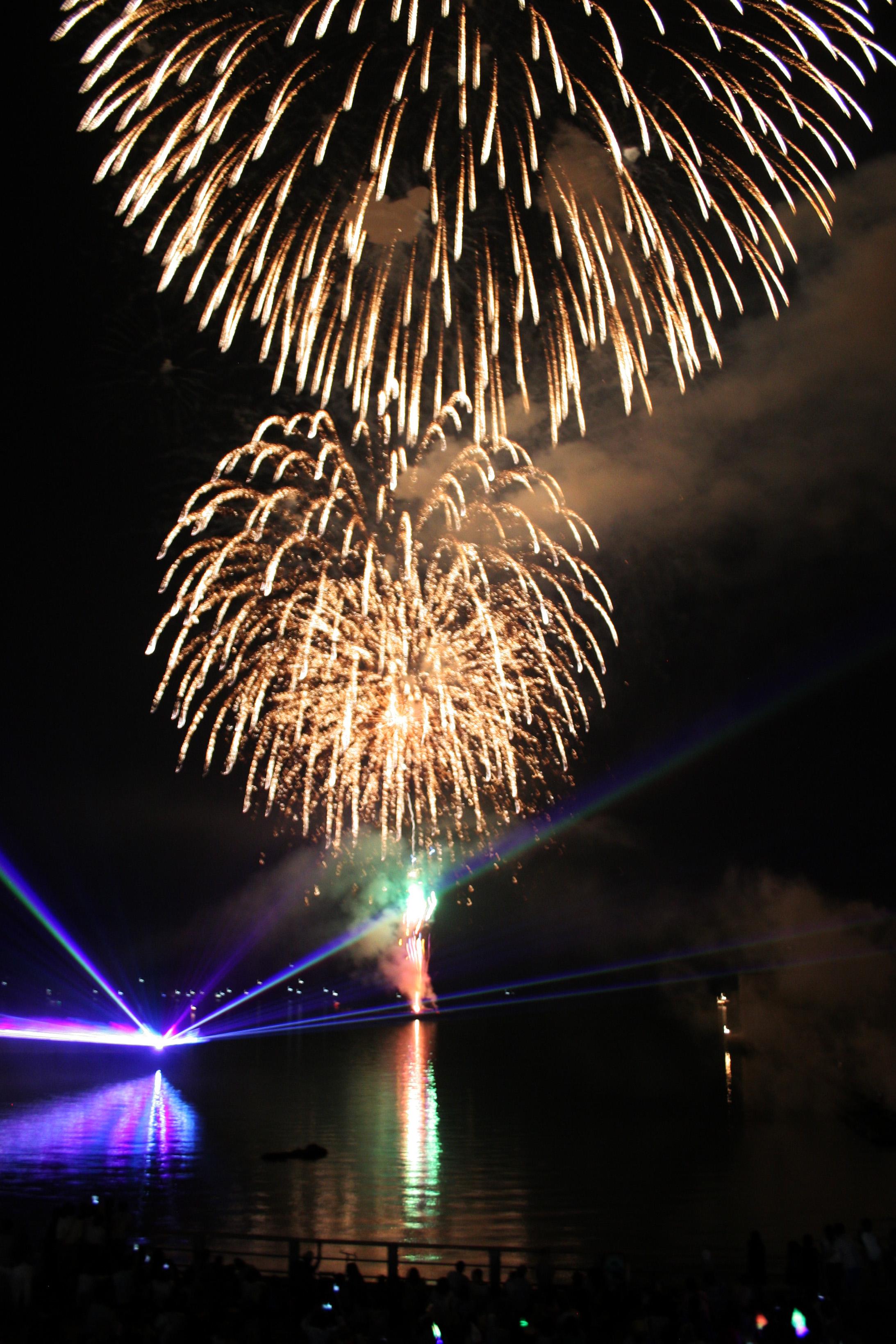 """海の日記念イベント""""ツネイシ花火""""約5,000人を魅了。海と地域と共に生きる常石グループ"""