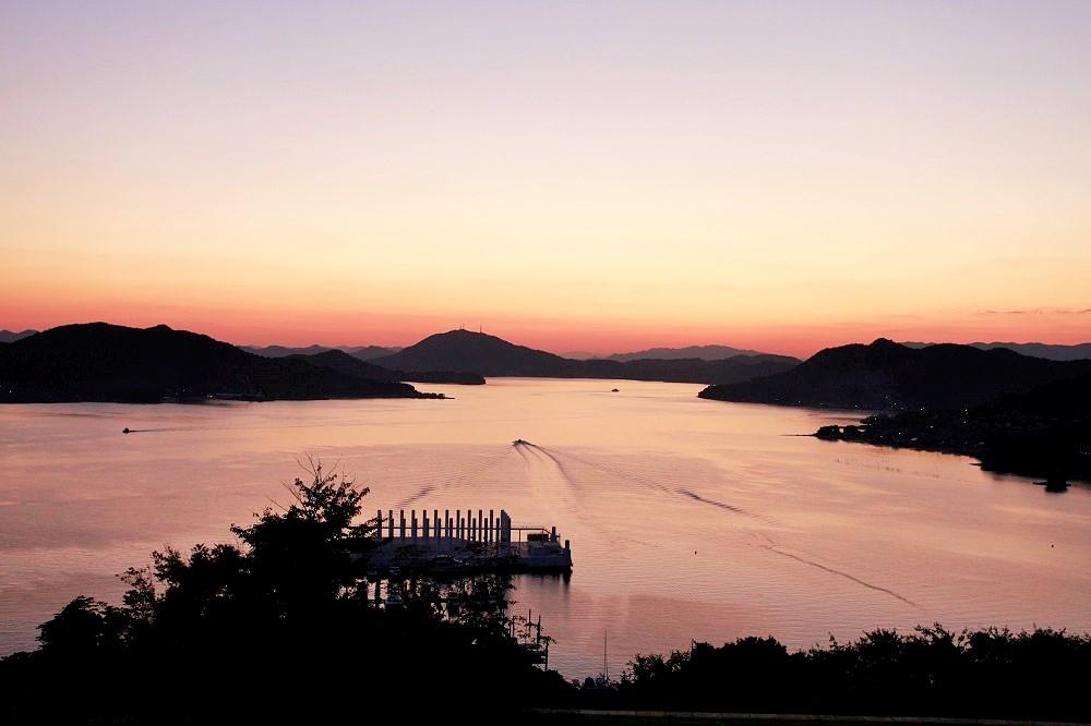 「日本の夕陽百選」に選出された瀬戸内の絶景