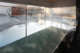 ラドンの湯と美肌の湯 2種類の泉質をもつお風呂でゆったりと