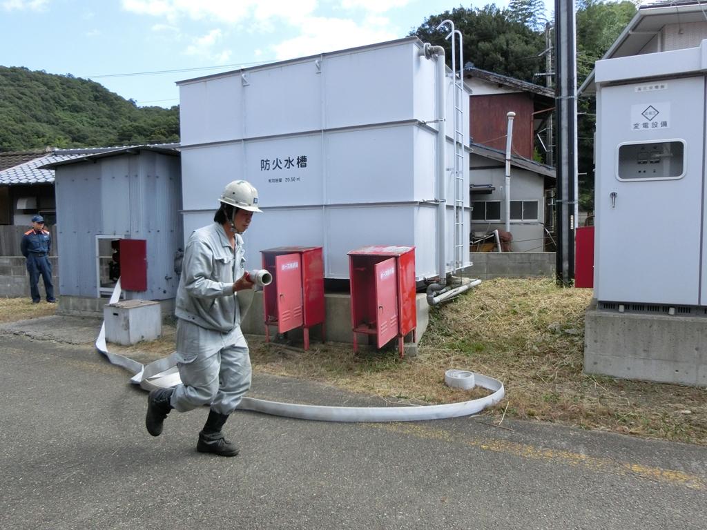 放水ポンプを用いた消火訓練