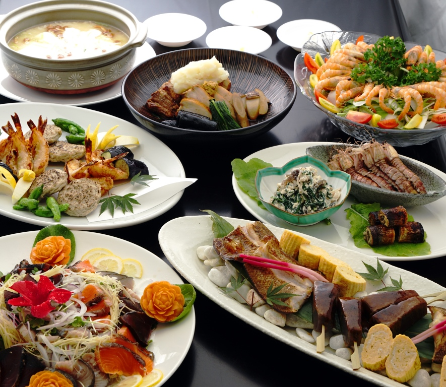 大皿コースは瀬戸内の新鮮な魚介類を使用