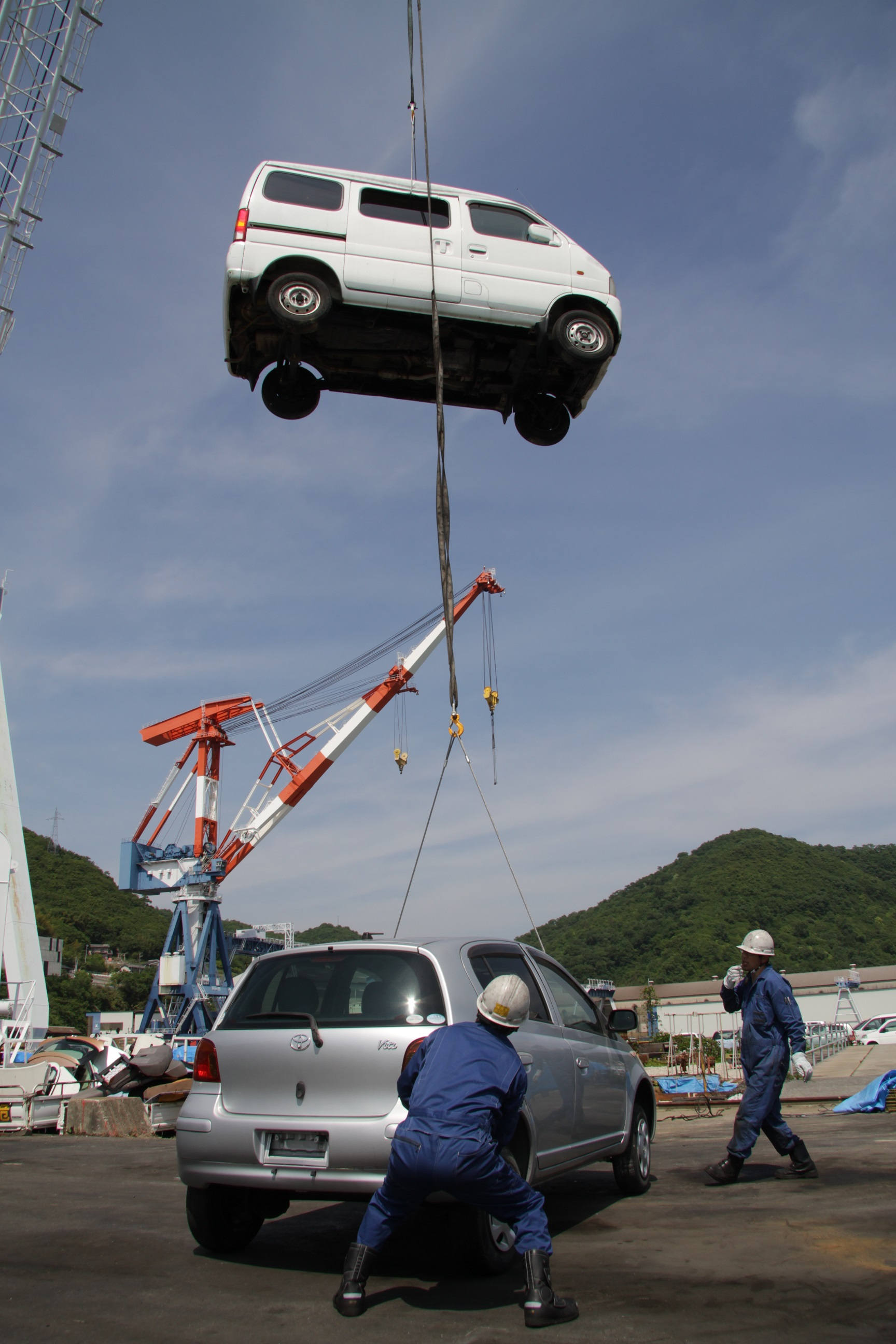 ツネイシCバリューズ、今年で13回目の離島支援活動~使用済み自動車回収