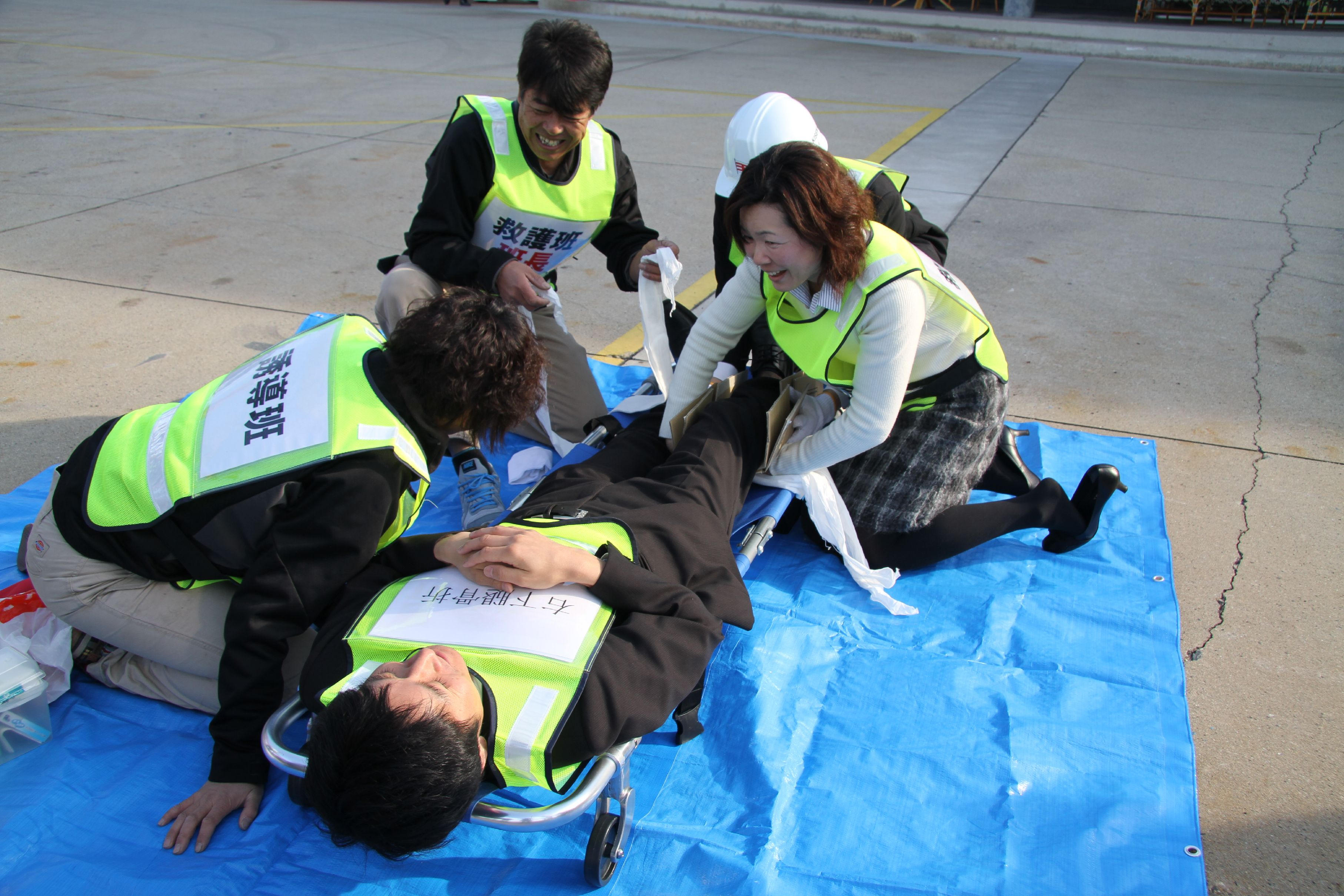 ベラビスタマリーナエリアでの訓練。救護訓練も実施。