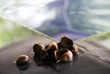 「神勝寺温泉 昭和の湯」 8月26日は風呂の日!イベント湯は大好評の″熟成黒にんにくの湯″!!