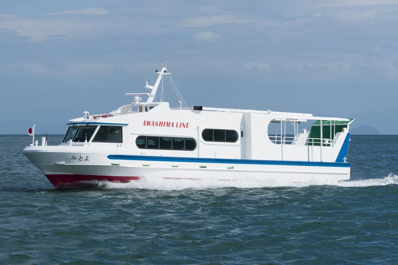 ツネイシクラフト&ファシリティーズが建造した旅客船兼自動車渡船「みとよ」竣工・引渡 ~バリアフリー、緊急車両運搬で島の生活を支える~