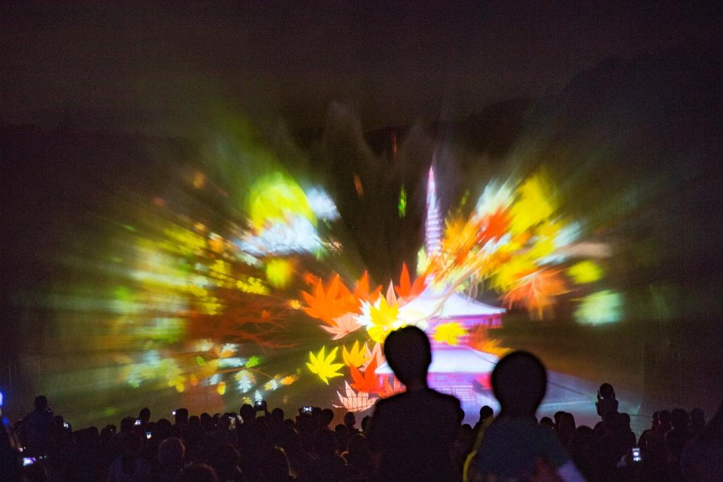 みろくの里ウインターイルミネーション「Music Illumination 音と光の遊園地」オープン3日目に来場者1万人突破!スプラッシュシアターが大人気