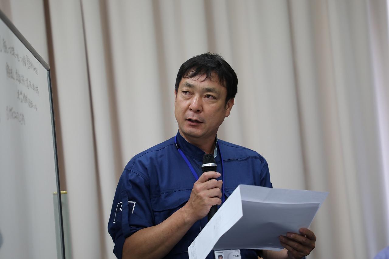 討議内容を発表する参加メンバー