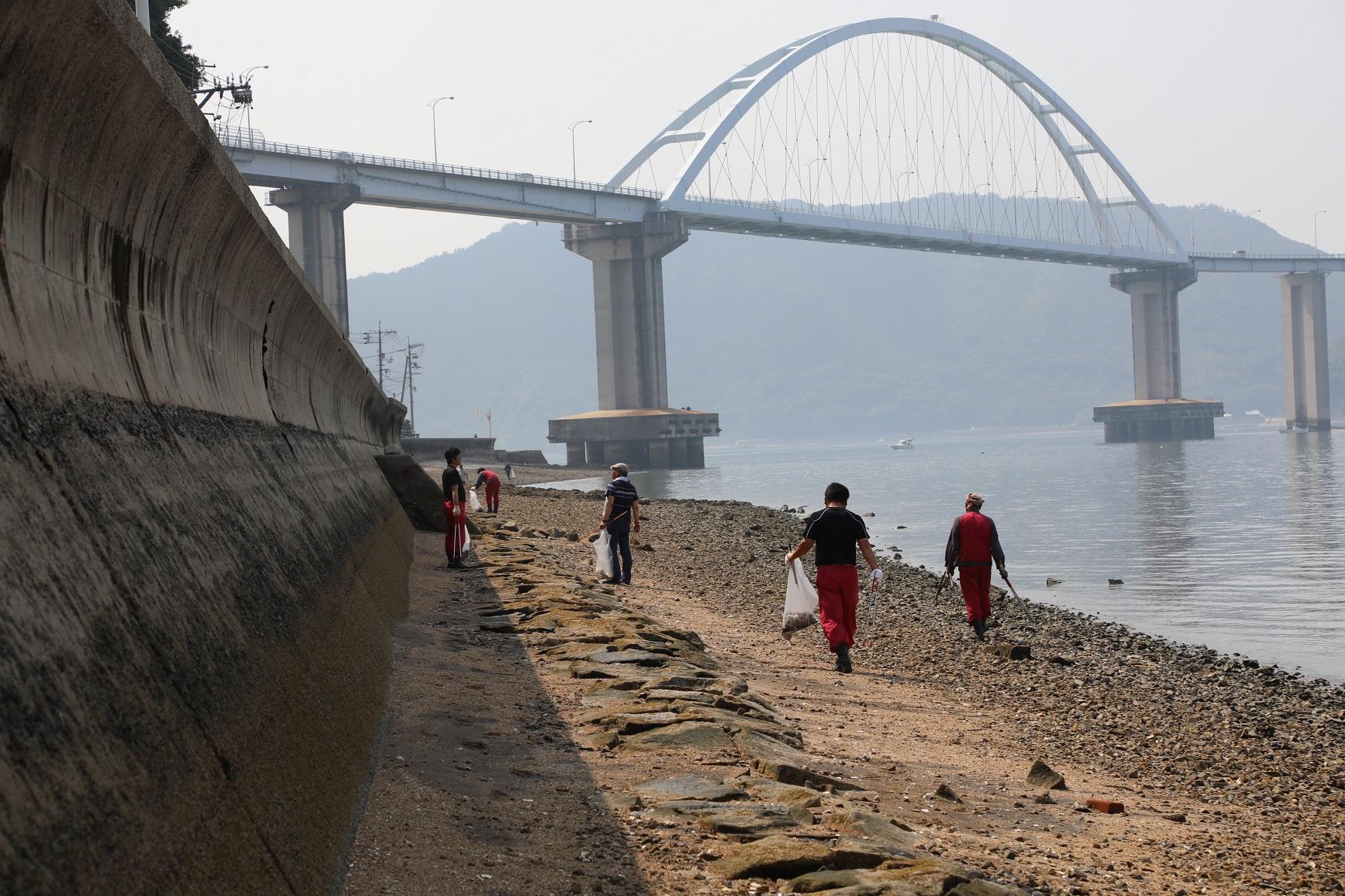 常石造船 海岸ボランティア清掃活動を実施