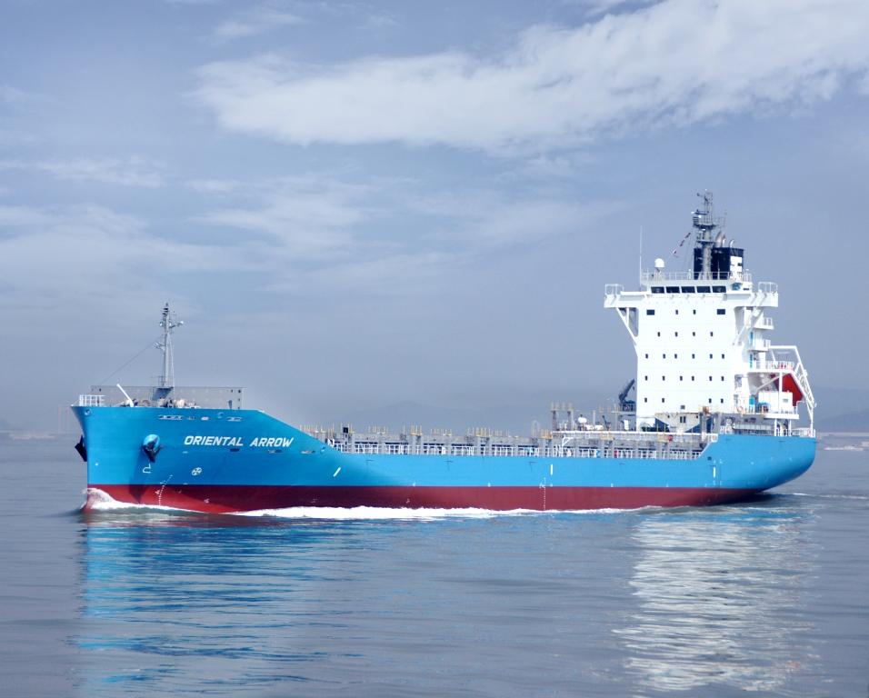 神原汽船 日中定期航路にコンテナ船 3隻就航 - 事業の発展に願いを込めた船名命名 -