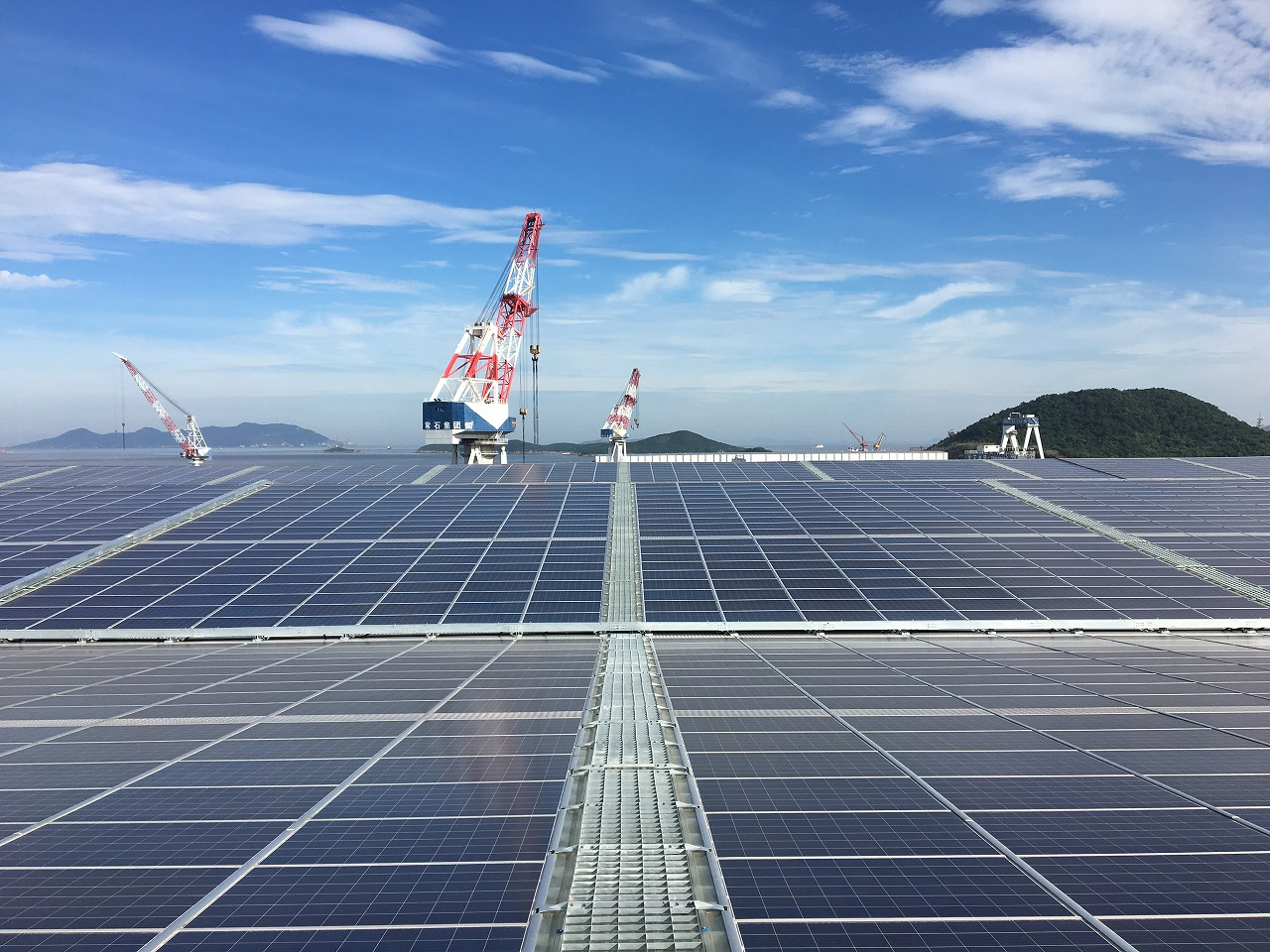 太陽電池パネル(72,000枚)