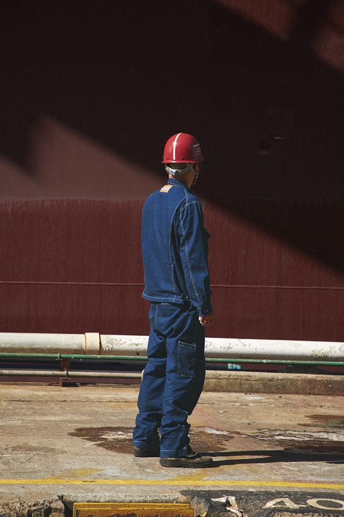 """常石造船 新ユニフォームの監修に長嶋りかこ氏、デザイナーに岩井良太氏を起用 - """"これからの100年に向けて"""" 新しい仕事のあり方を表現する新時代のユニフォーム -"""