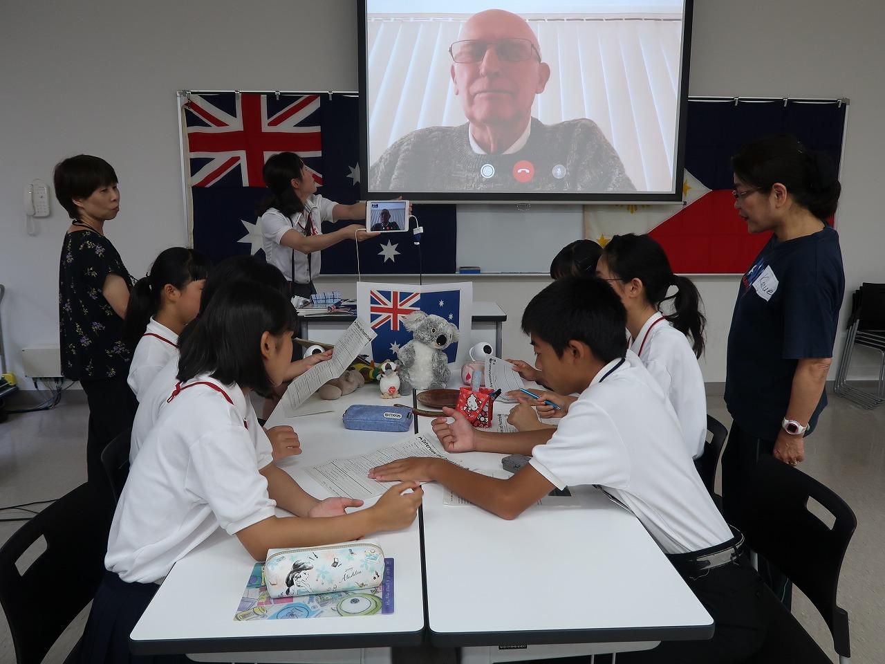鞆中学校へ、観光ボランティアガイド育成のための「英会話特別授業」を支援