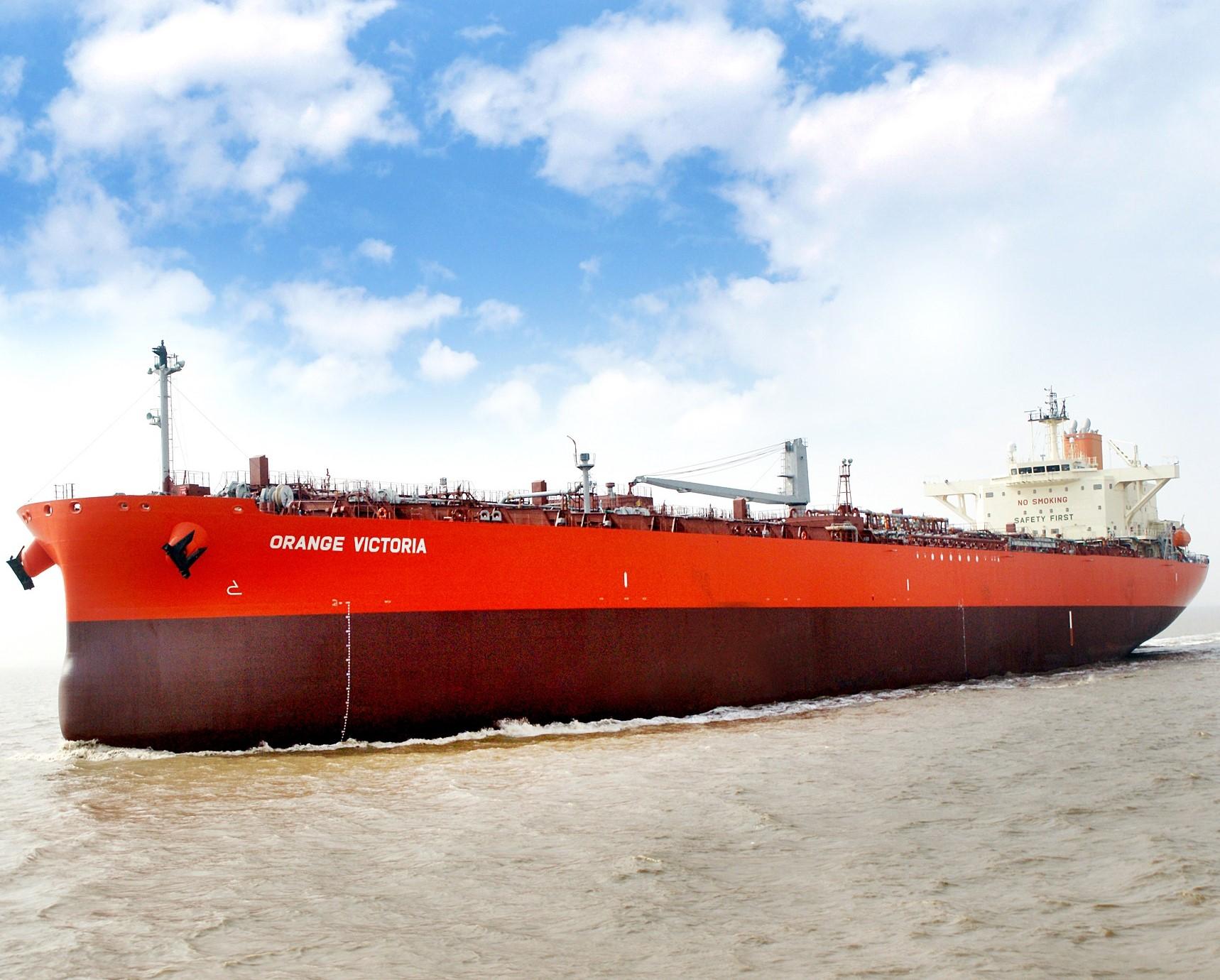 常石造船 中国拠点で初建造のLR1型プロダクト/ケミカルタンカーを引渡し