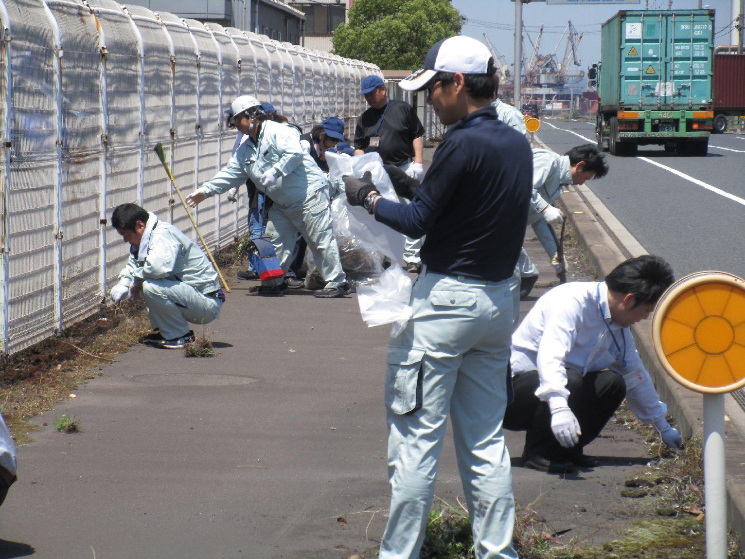 神原ロジスティクス 福山物流センター周辺の清掃活動を実施