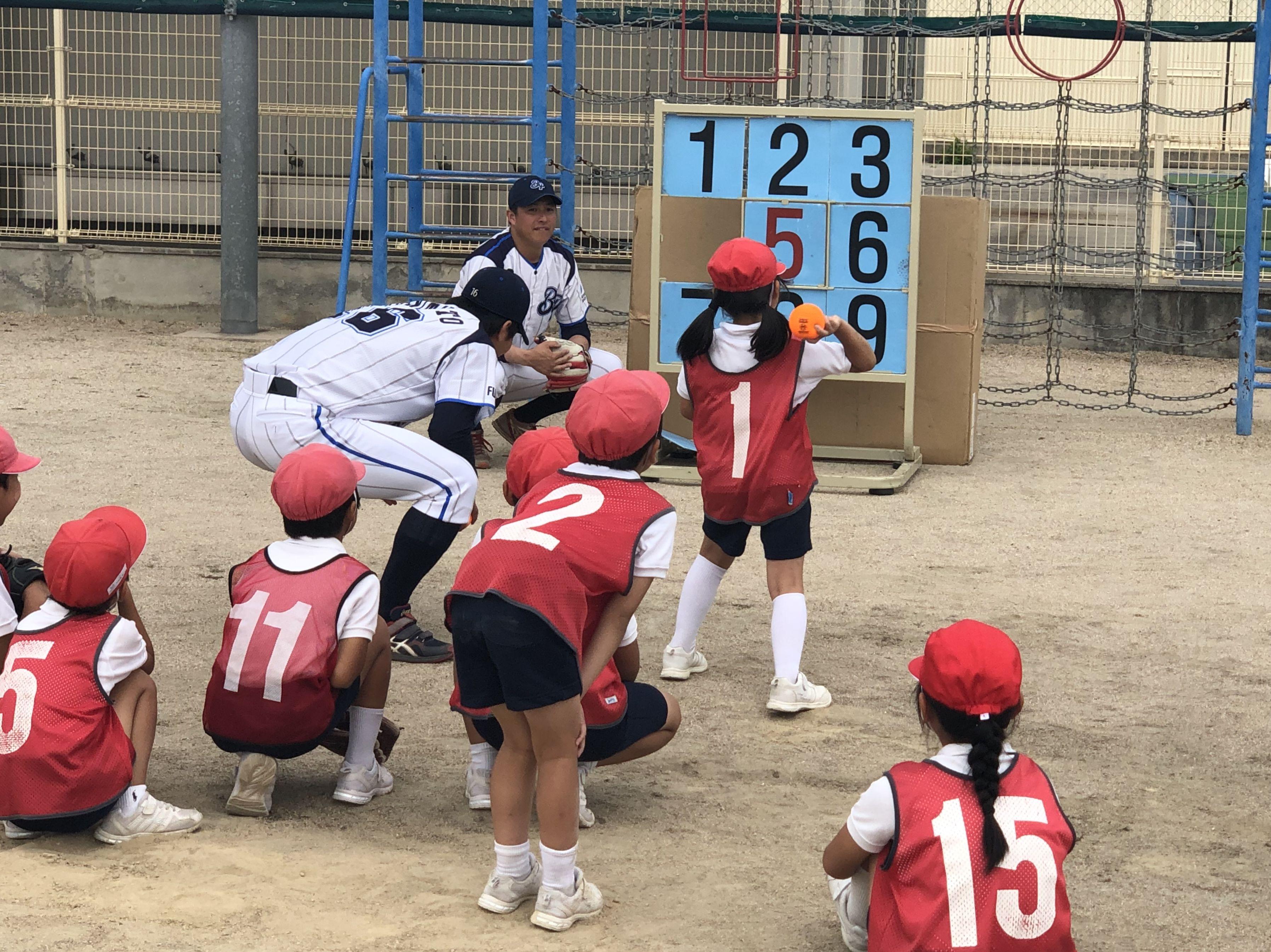 ストラックアウトやティーバッティングで、野球未経験の子どもたちも楽しめた