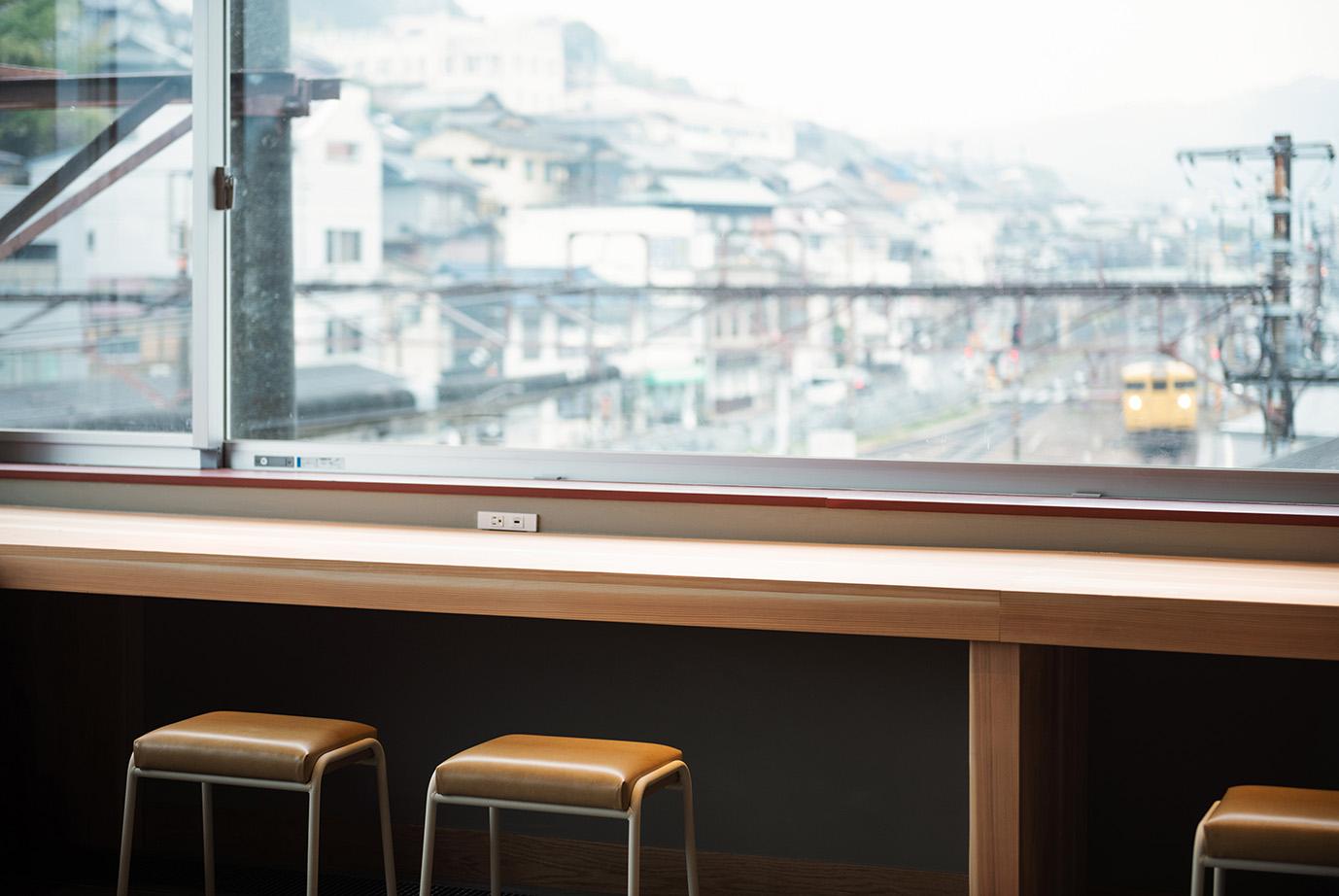 PLACE TO ENJOY THE LOCAL STATION 尾道発・ローカル駅を楽しむ「㎥ HOSTEL/エムスリーホステル」レールサイドプラン