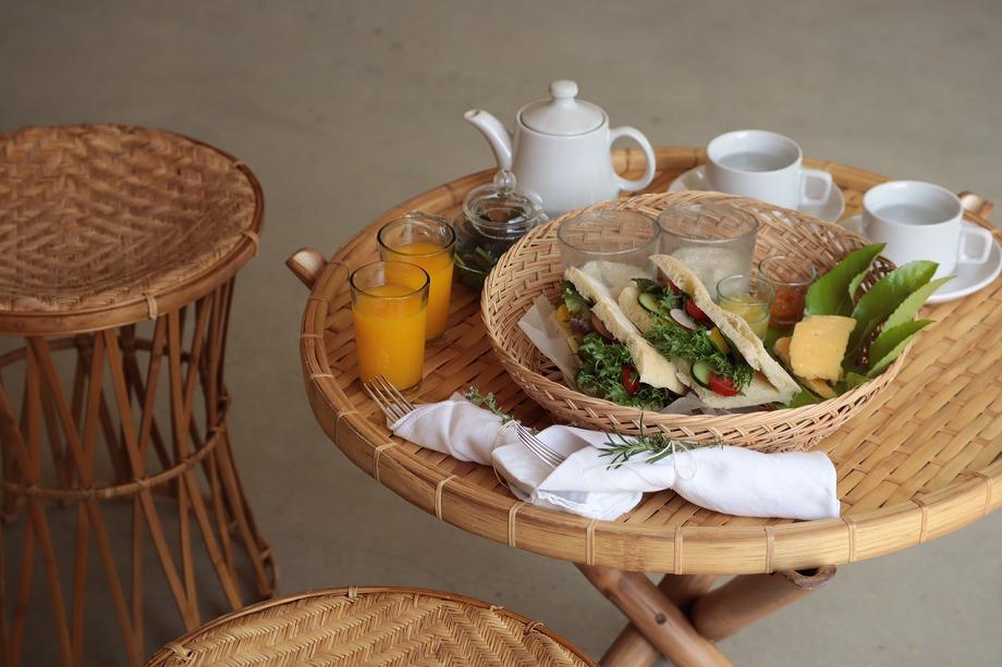 せとうちの食材を使った朝食をお部屋にご準備