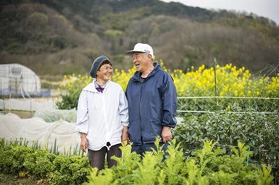野菜農家の王子野兼俊さん、保江さん Photo/Michi Murakami