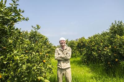 柑橘農家の能勢賢太郎さん Photo/Michi Murakami