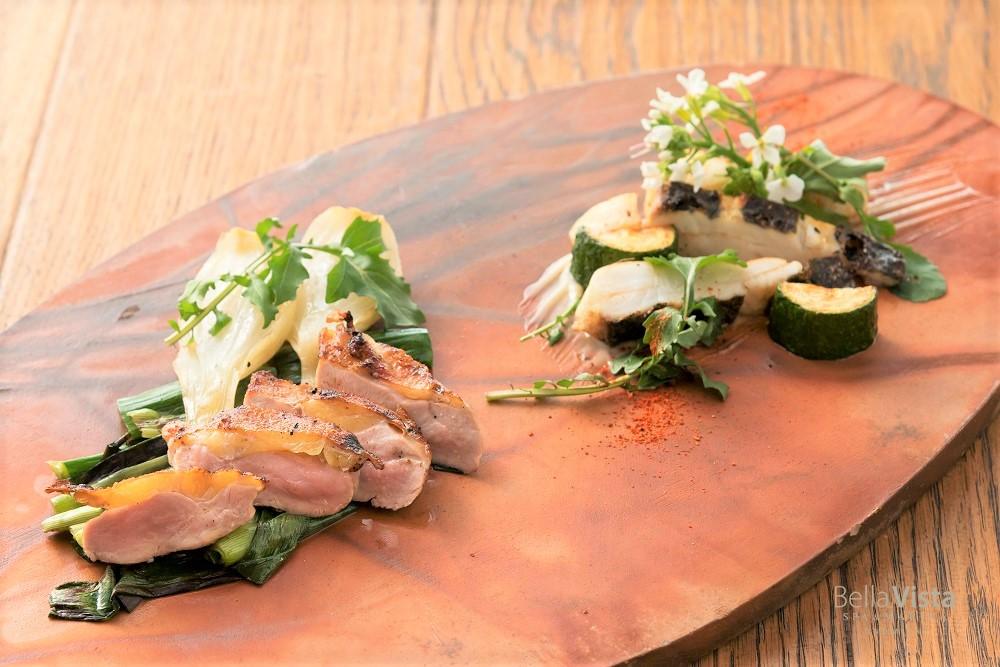 メインディッシュは鮮魚やお肉料理をその日最も美味しい手法で