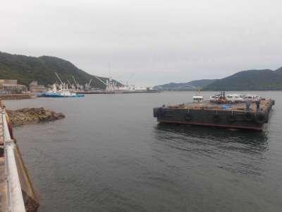 大崎上島から使用済み自動車が到着